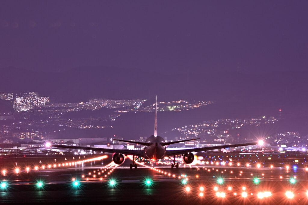 伊丹空港 ITM 千里側 着陸 夕景